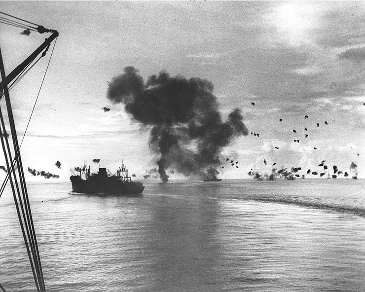Japanes_air_attack_on_shipping_off_Guadalcanal,_12_November_1942