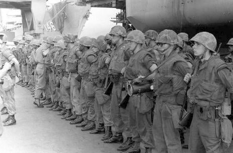 what happened in 1975 relationship with the vietnam war