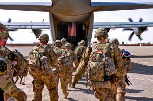 U.S.-soldiers-returning-from-Afghanistan-300x198